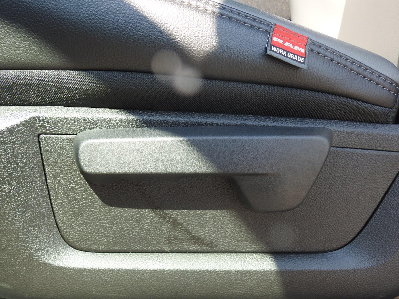 2021 Ram 5500 Regular Cab DRW 4x4, Palfinger PAL Pro 39 Mechanics Body #ST599057 - photo 38