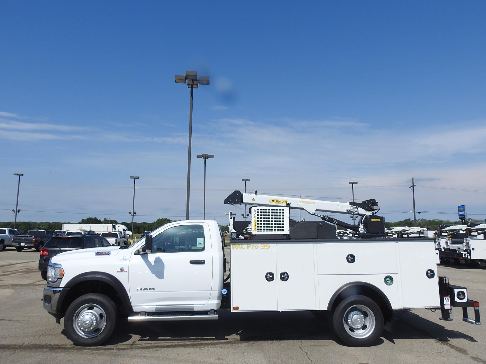 2021 Ram 5500 Regular Cab DRW 4x4, Palfinger PAL Pro 39 Mechanics Body #ST599057 - photo 5