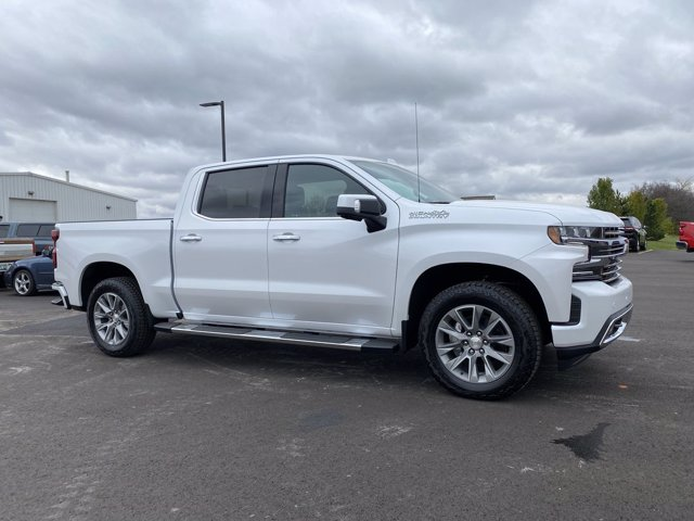 2021 Chevrolet Silverado 1500 Crew Cab 4x4, Pickup #108067 - photo 1