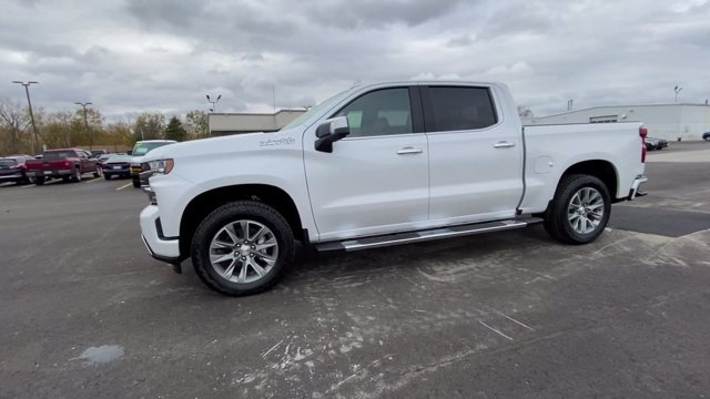 2021 Chevrolet Silverado 1500 Crew Cab 4x4, Pickup #108067 - photo 6