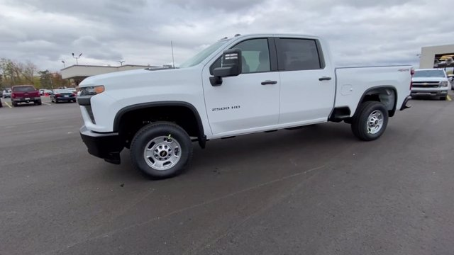2021 Chevrolet Silverado 2500 Crew Cab 4x4, Pickup #113068 - photo 6