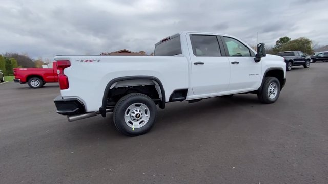 2021 Chevrolet Silverado 2500 Crew Cab 4x4, Pickup #113068 - photo 2
