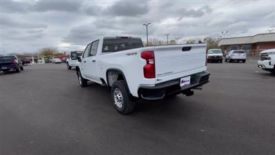 2021 Chevrolet Silverado 2500 Crew Cab 4x4, Pickup #113068 - photo 8