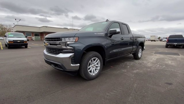 2021 Chevrolet Silverado 1500 Double Cab 4x4, Pickup #132445 - photo 5