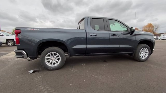 2021 Chevrolet Silverado 1500 Double Cab 4x4, Pickup #132445 - photo 9