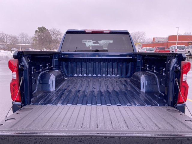 2021 Chevrolet Silverado 1500 Crew Cab 4x4, Pickup #201950 - photo 12