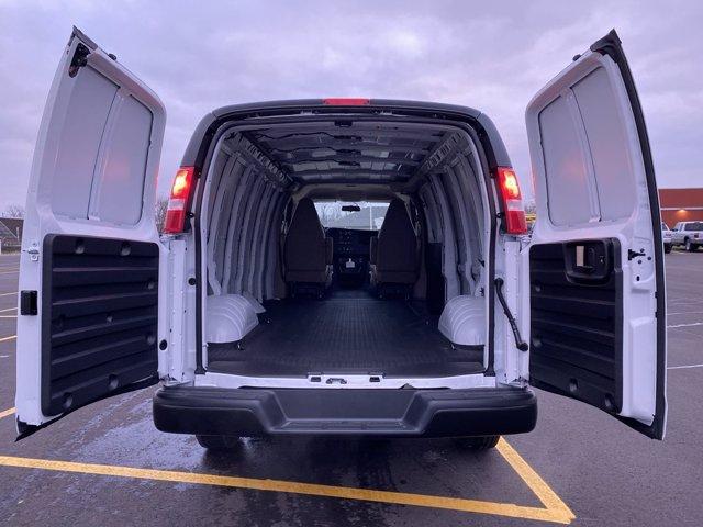 2020 Chevrolet Express 2500 4x2, Empty Cargo Van #266201 - photo 2
