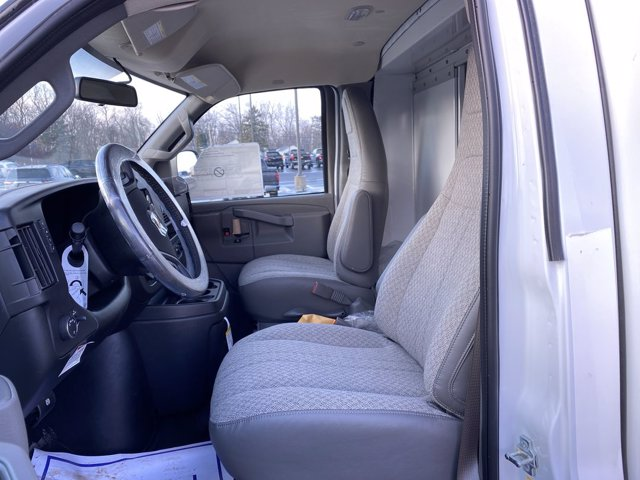 2020 Chevrolet Express 3500 4x2, Cutaway Van #276088 - photo 17