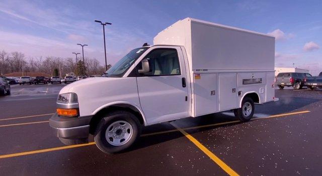 2020 Chevrolet Express 3500 4x2, Cutaway Van #276088 - photo 5