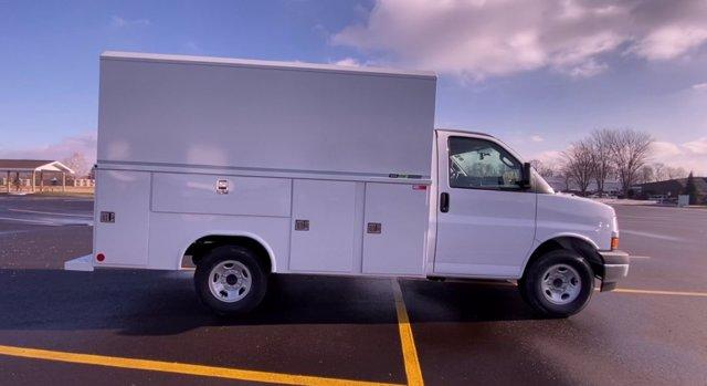 2020 Chevrolet Express 3500 4x2, Cutaway Van #276088 - photo 9