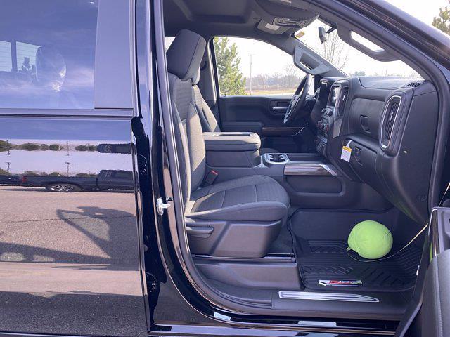2021 Chevrolet Silverado 1500 Crew Cab 4x4, Pickup #277597 - photo 18