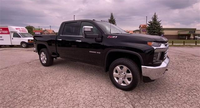 2020 Chevrolet Silverado 2500 Crew Cab 4x4, Pickup #308849 - photo 3