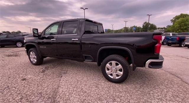 2020 Chevrolet Silverado 2500 Crew Cab 4x4, Pickup #308849 - photo 7