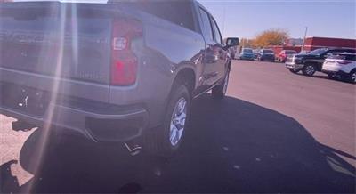 2020 Chevrolet Silverado 1500 Crew Cab 4x4, Pickup #451117 - photo 2
