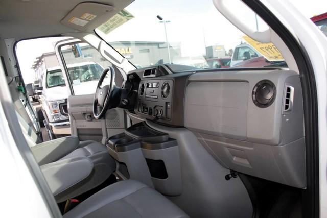 2017 E-450 4x2, Cutaway Van #RC7940 - photo 9