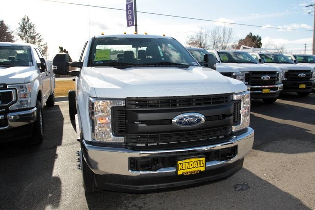2019 Ford F-350 Super Cab DRW 4x4, Cab Chassis #RN20192 - photo 4