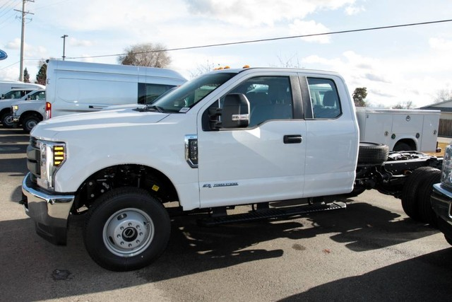 2019 Ford F-350 Super Cab DRW 4x4, Cab Chassis #RN20192 - photo 6