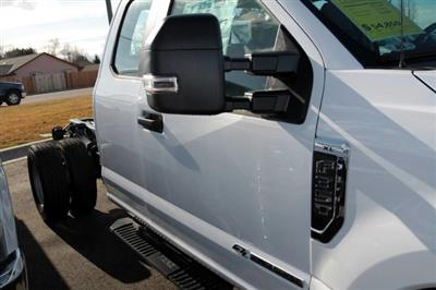 2019 Ford F-350 Super Cab DRW 4x4, Cab Chassis #RN20192 - photo 9