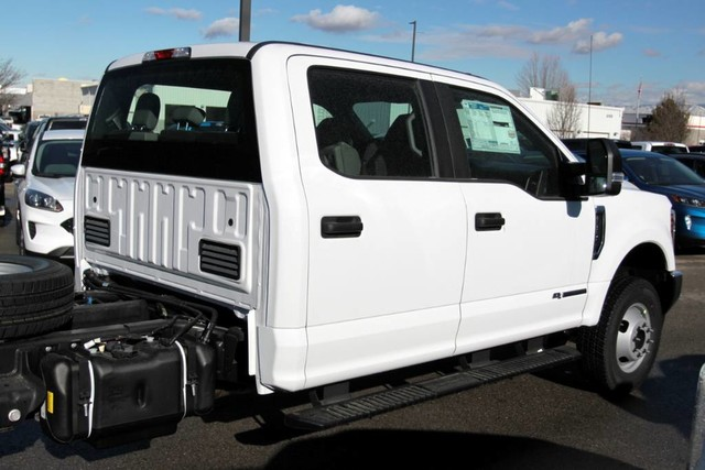 2019 F-350 Crew Cab DRW 4x4, Cab Chassis #RN20314 - photo 10