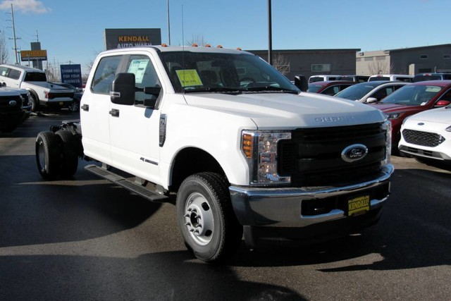 2019 F-350 Crew Cab DRW 4x4, Cab Chassis #RN20314 - photo 3