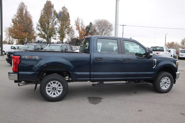 2019 F-250 Crew Cab 4x4, Pickup #RN20440 - photo 9