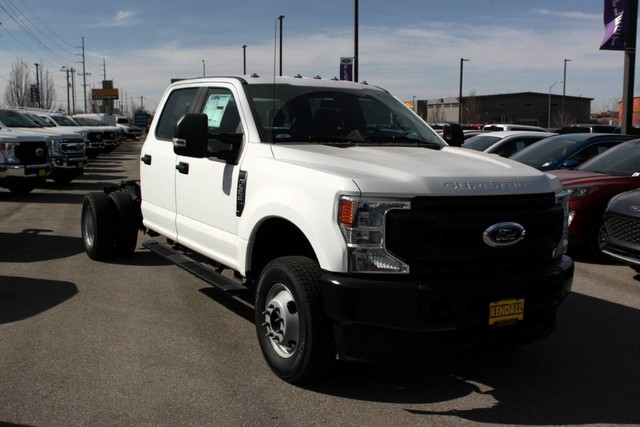 2020 F-350 Crew Cab DRW 4x4, Cab Chassis #RN20556 - photo 3