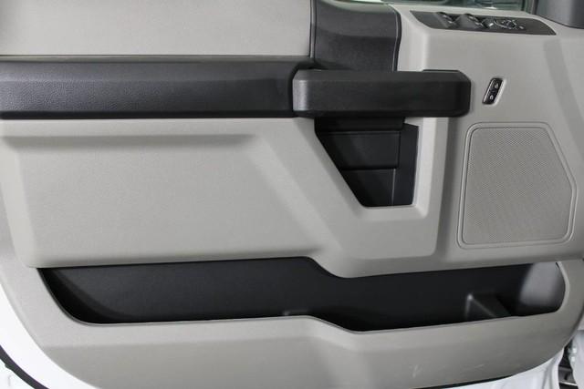 2020 Ford F-350 Crew Cab DRW 4x4, Knapheide PGNB Gooseneck Platform Body #RN20557 - photo 7