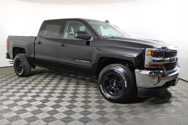2018 Chevrolet Silverado 1500 Crew Cab 4x2, Pickup #RN22338B - photo 4