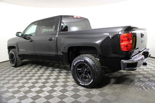 2018 Chevrolet Silverado 1500 Crew Cab 4x2, Pickup #RN22338B - photo 2