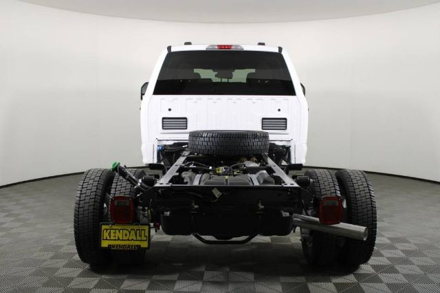 2020 Ford F-450 Crew Cab DRW 4x4, Cab Chassis #RN22411 - photo 2