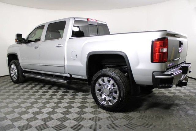 2019 GMC Sierra 2500 Crew Cab 4x4, Pickup #RN22422A - photo 2