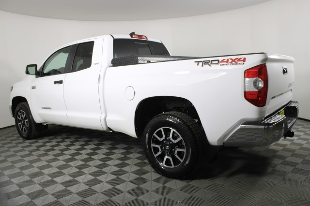 2020 Toyota Tundra 4x4, Pickup #RTC1580 - photo 2