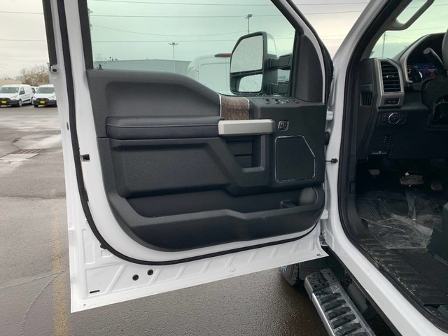 2019 F-250 Crew Cab 4x4, Pickup #F37159 - photo 15