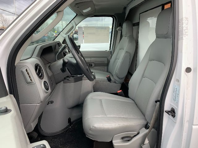 2019 Ford E-350 4x2, Cutaway Van #F37942 - photo 9