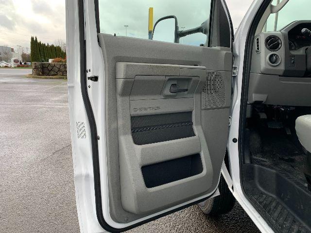 2019 Ford E-350 4x2, Cutaway Van #F37942 - photo 10