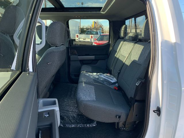 2021 Ford F-150 SuperCrew Cab 4x4, Pickup #F38359 - photo 6