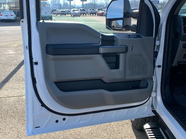 2021 Ford F-250 Regular Cab 4x4, Pickup #F38364 - photo 35