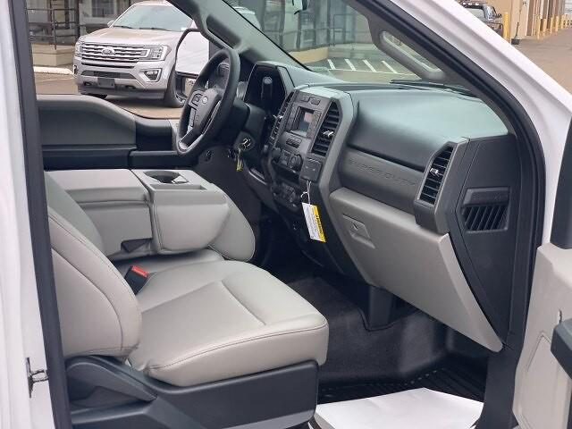 2021 Ford F-550 Regular Cab DRW 4x4, Contractor Body #F38617 - photo 18