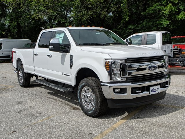 2019 F-350 Crew Cab 4x4, Pickup #45856 - photo 4