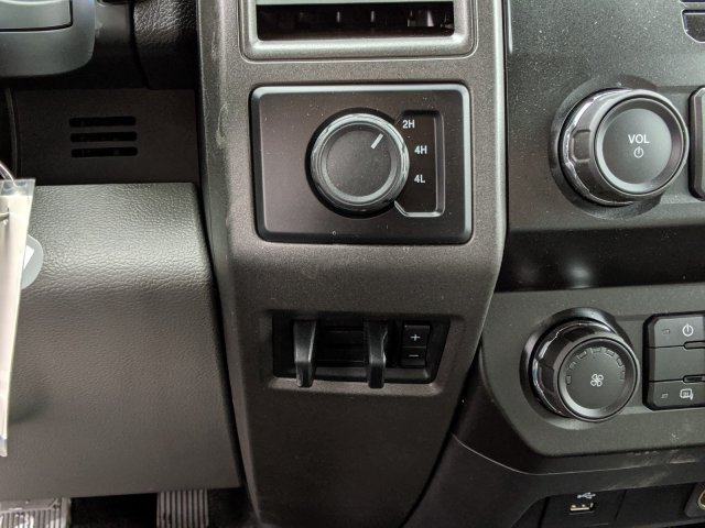 2019 F-350 Super Cab DRW 4x4, Reading Panel Service Body #46364 - photo 16