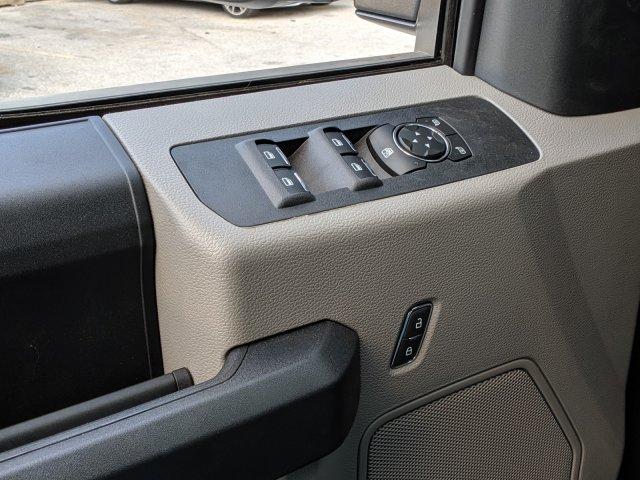 2019 F-550 Crew Cab DRW 4x4, Reading Classic II Steel Service Body #46407 - photo 17