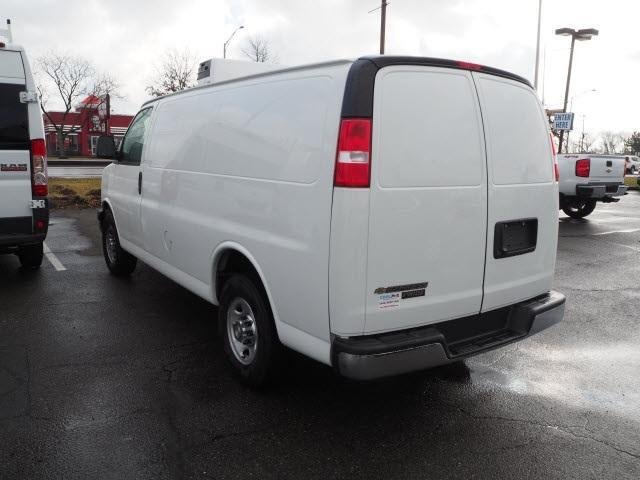 2019 Chevrolet Express 2500 RWD, Carrier Direct-Drive Refrigerated Body #14651 - photo 5