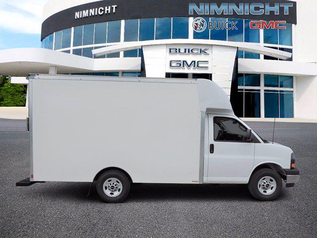 2021 GMC Savana 3500 4x2, Supreme Spartan Cargo Cutaway Van #186083T - photo 3