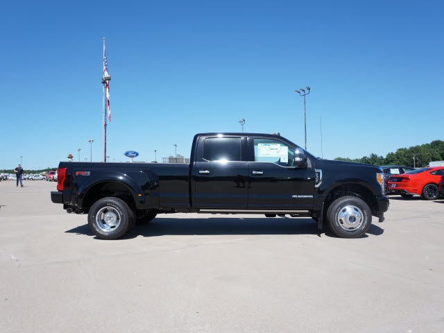 2019 F-350 Crew Cab DRW 4x4,  Pickup #90718 - photo 3