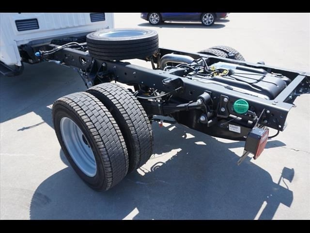 2019 F-550 Regular Cab DRW 4x4,  Cab Chassis #90999 - photo 20