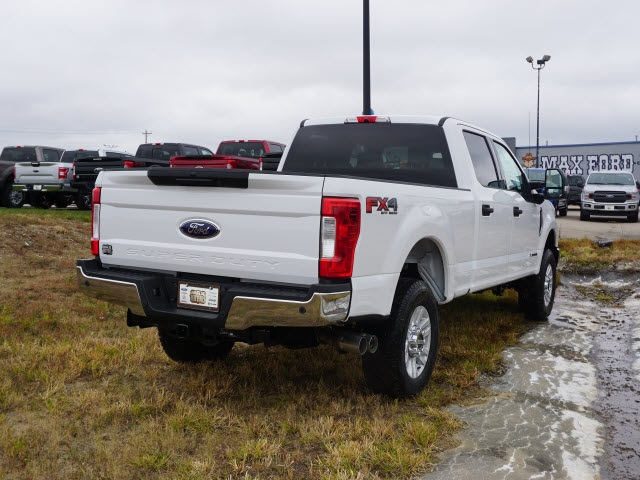 2019 F-250 Crew Cab 4x4, Pickup #91101 - photo 2