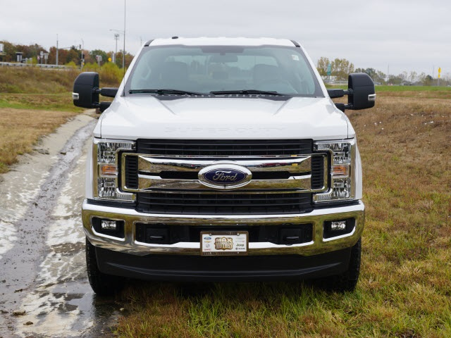 2019 F-250 Crew Cab 4x4, Pickup #91101 - photo 4
