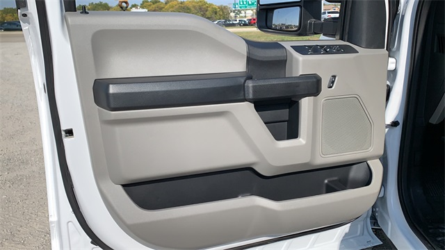 2020 Ford F-350 Crew Cab DRW 4x4, Cab Chassis #F201114 - photo 16