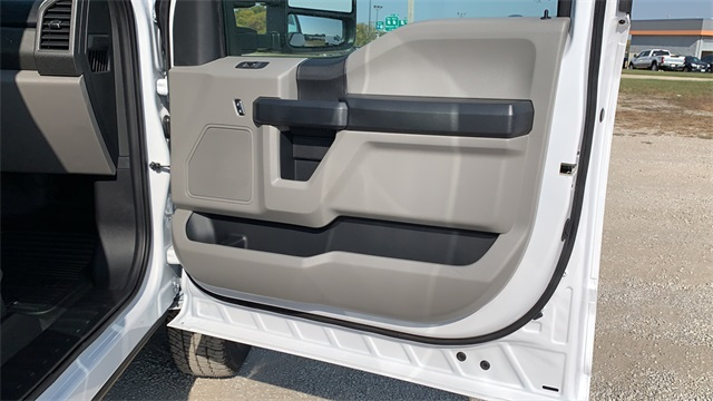 2020 Ford F-350 Crew Cab DRW 4x4, Cab Chassis #F201114 - photo 29