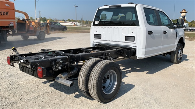 2020 Ford F-350 Crew Cab DRW 4x4, Cab Chassis #F201114 - photo 2